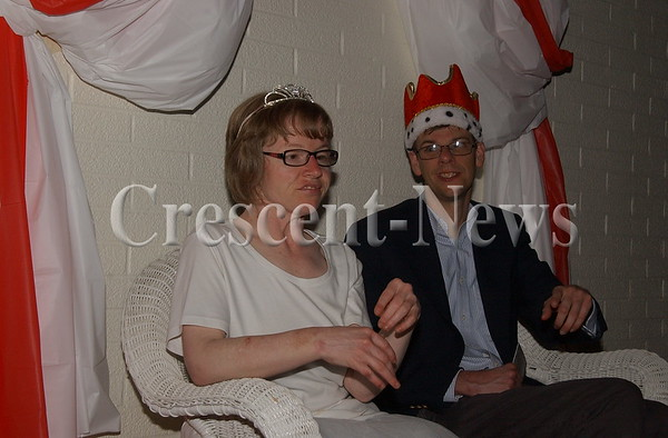 04-22-16 NEWS Good Samaritan Prom King & Queen