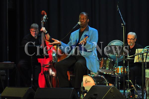 09-15-16 NEWS Dwight Lenox Concert