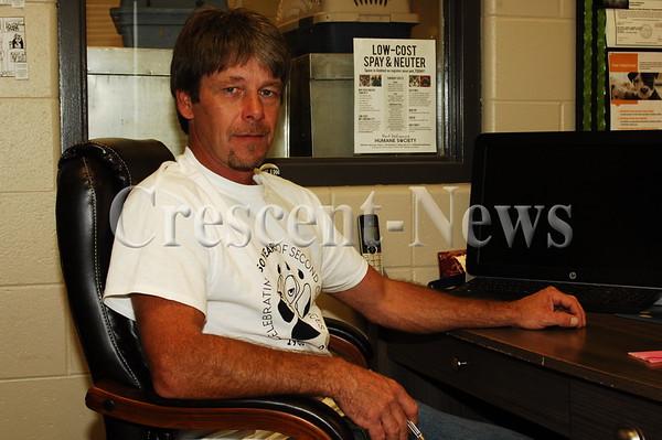 09-29-16 NEWS Humane Society Buildings & Director