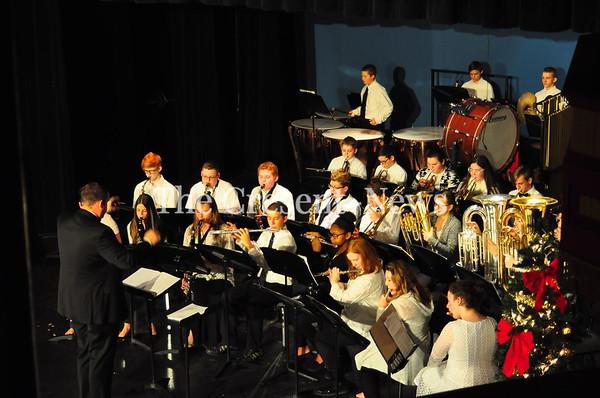12-14-18 NEWS Hicksville School Concert