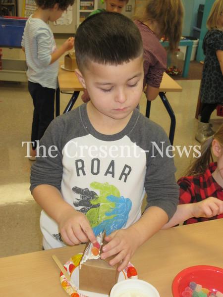 12-18-18 NEWS Oakwood gingerbread