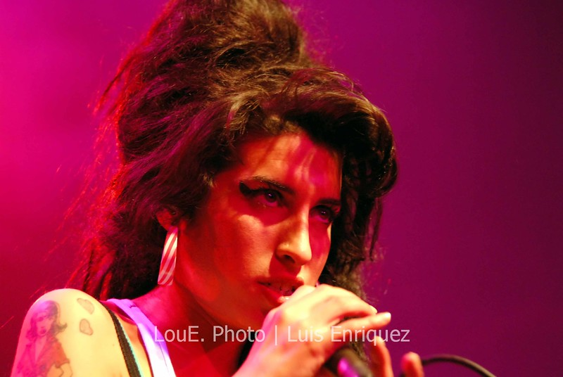 May 13, 2007<br /> <br /> Amy Winehouse<br /> Amy Winehouse absolutely filled the Mod Club for the second straight night with her 8 piece band in grandiose style.  This girl not only sings effortlessly but has style to compliment her vocals.  <br /> Thanks to Oli and REMG.