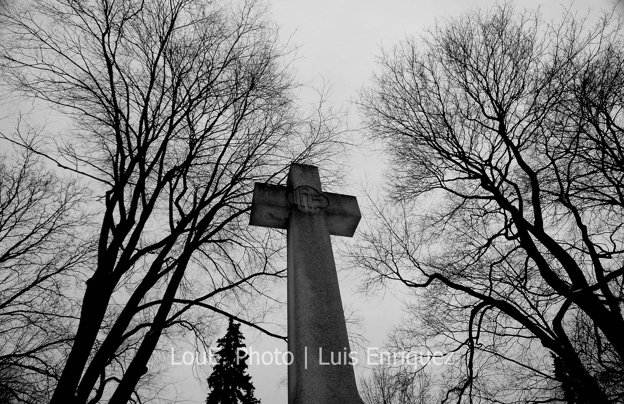 March 2, 2008<br /> <br /> Another one of my favourite places for creatives, the Mount Pleasant Cemetery.  Decided to shoot only wide angle for the whole day and got some really cool shots.  I'm not a big fan of centering the subjects in a frame but somehow this works.