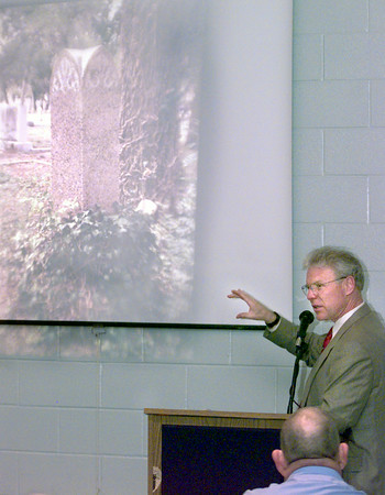 "2/11/99---Gerron Hite with the Texas Historical Comission  speaks to a group gathered for the cemetery ""A Great Undertaking"" Thursday afternoon at Maude Cobb in Longview. Kevin green"