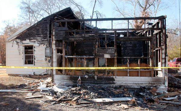 Burnt house on Young Street. (Luisa Morenilla/News-Journal Photo)