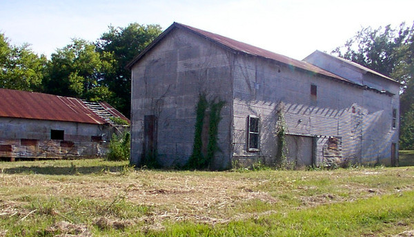 The Barts' cotton gin in Mount Enterprise.  (Depot Musuem Photo)