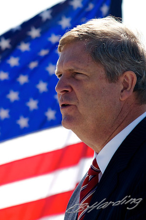 11-09-26 Tom Vilsack, (Ag. Secratary) visit to the Port of West Sacramento