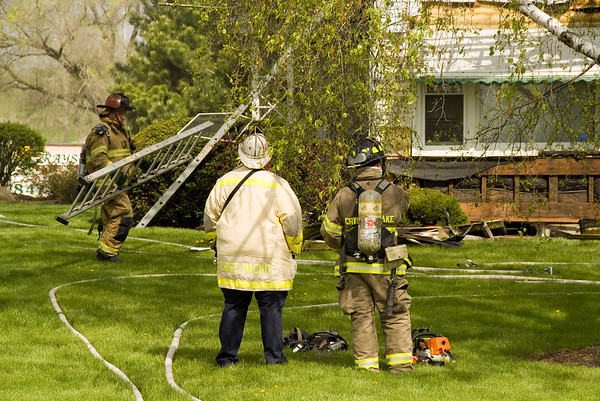 Algonquin May 9, 2008 - MABAS Div. 2 Box Alarm on Virginia Rd.