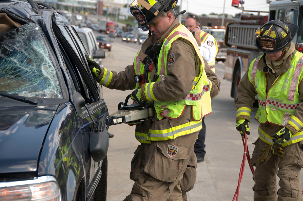 Elgin Fire Department Tollway Rollover / Extrication - July 29, 2009