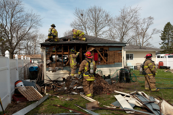 Carpentersville Garage Fire April 13, 2011