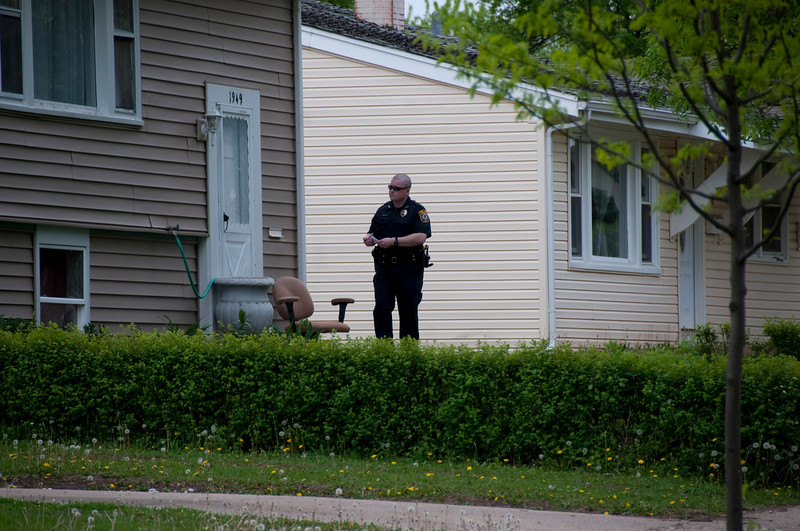 Capentersville Police officers canvassed the east side neighborhood where the baby was found this afternoon