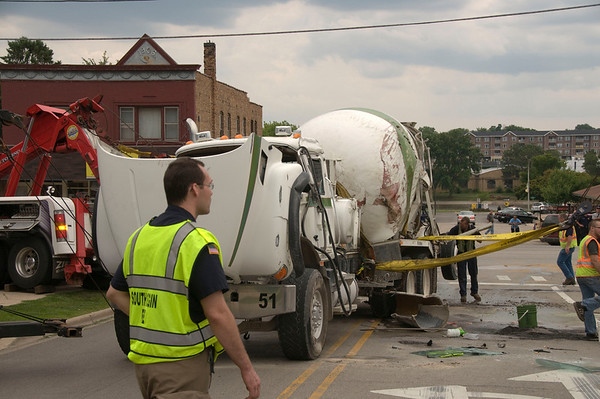 South Elgin - July 21, 2009 - Cement Truck Rollover Spring and Rt. 31