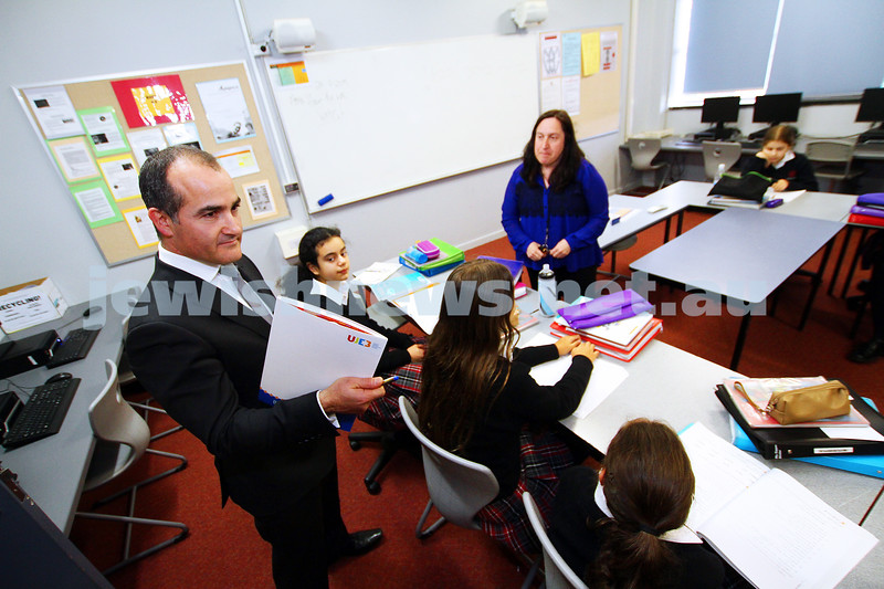 24-7-15. Victorian state educatioin minister and deputy premier, James Merlino visiting Glen Eira College to look at the UJEB programs and hebrew classes. Photo: Peter Haskin