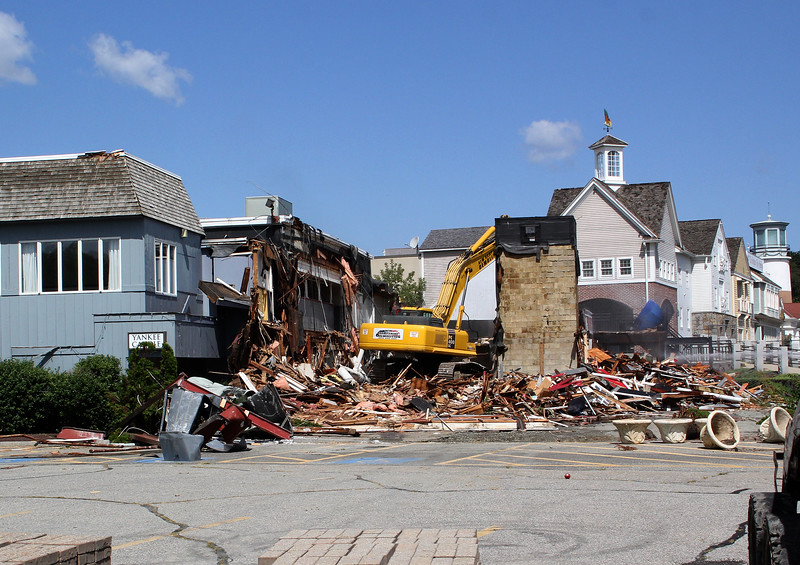 Lynnfield, Ma. 8-28-17. The Ship Restaurant in Lynnfield is being torn down by New Hampshire Demolition, the same company that tore down the Hill Top.