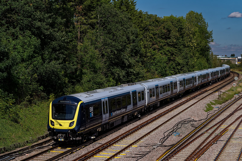 701005 taking the Reading Line at Guildford with 5Q43, the 11:41 Shalford Junction - Haslemere via Farnham, on 1st September 2020.
