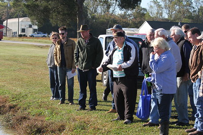 Participants learn about aquaculture production at VSU's Annual Aquaculture Field Day