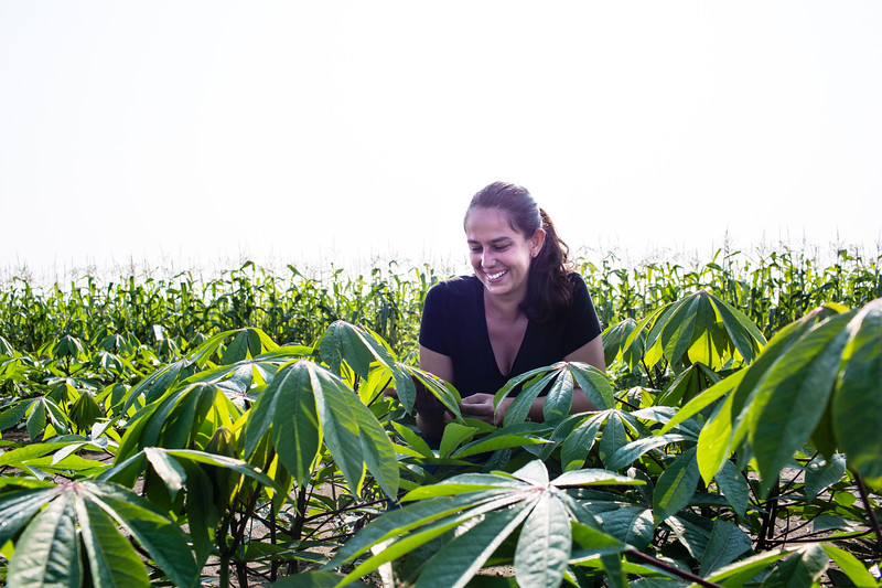 Amanda De Souza field portrait
