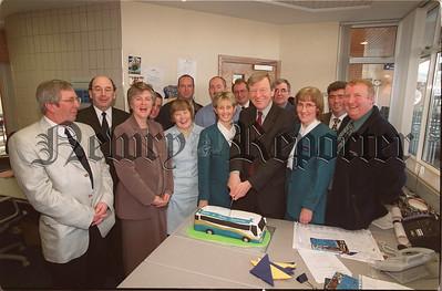 R9947114 U15 t:c Bus : Cake