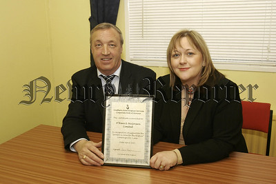 Local Business sponsor a room for a year at the Southern Area Hospice. In picture, Noel O' Hare, O; Hare & Mc Govern Limited, and Fiona Stevens,SAH.05W16N16