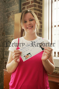 Annette McLoughlin Heavenly Beauty voucher winner. 07W24N18