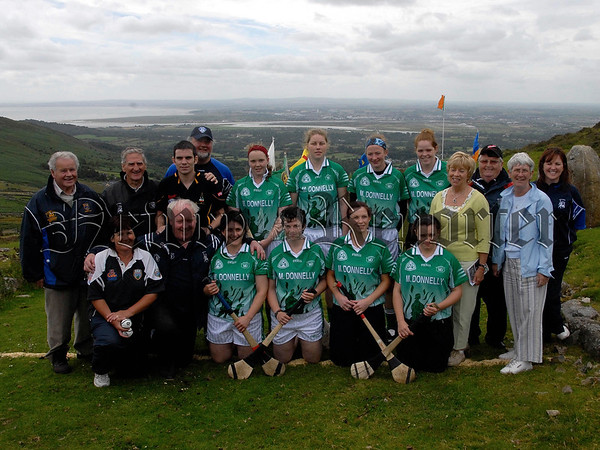 M Donnelly All Ireland Poc Fada Final, Annaverna Mountain Ravensdale Co Louth. Camogie Competitors before the start. 07W32S254