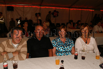 Brady family members who enjoyed the comedy night,07W33N58