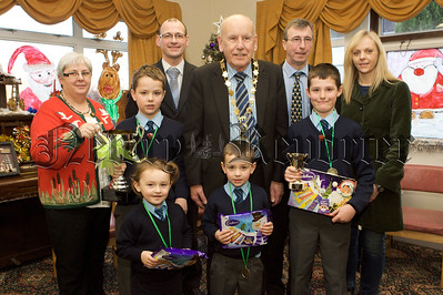 Mayor Mick Murphy is picture with pupils from Windsor Hill PS who took part in the Art Competition in Cloughreagh House. 10W51N1