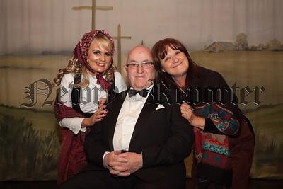 Wesley Livingstone ictured with Deborah Gorman and Ailish McCaffery. R1618003