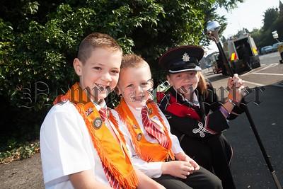 Lewis, Reuben and Melanie Wylie. R1729002