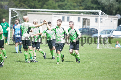 Cleary players congratulate Steven McDermot after his goal restored parity at Derrylecka Park. RS1732004