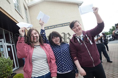 Cliona Saul, Caragh Coyle and Katie Farrell. R1735014