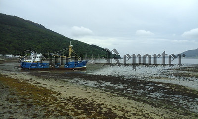 R1736114 - Trawler ran aground