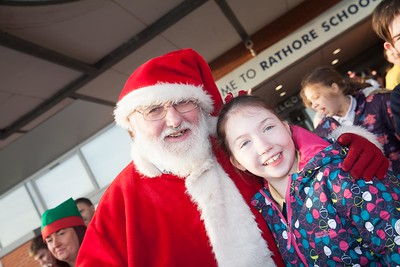 Zoe Fearon pictured with Santa. R1751003