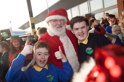 Ben O'Brien and Gerry Connors pictured with Santa. R1751004