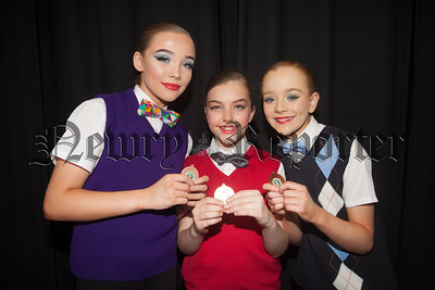 Evie Judge, Abbie Turner and Janey Rice. R1816013