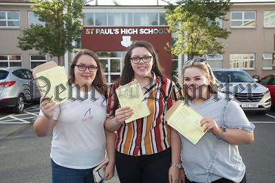 Caitlin McKeown, Aisling McCabe and Lucy Travers. R1833001