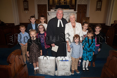 Rev Norman Hutton is pictured with his wife Doris and children who attended the service. R1834049