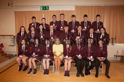 Head of Year oonagh McArdle is pictured with Form Class Award winners. R1835001