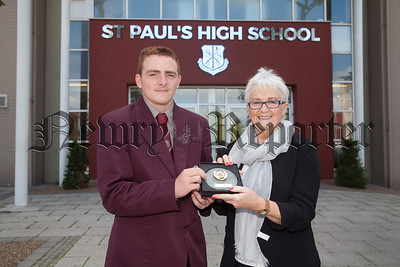 Eileen Fearon is pictured with aaron McManus who recieved the Pupil of the Year Award for Endeavour. R1835006