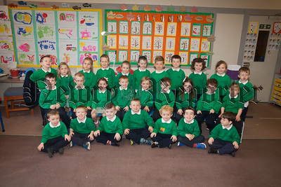 Miss Dawson's Primary 1 pupils at St Ronan's PS. R1839002