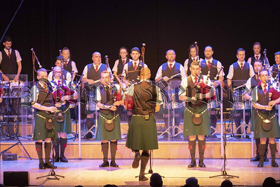 R1913308 st laurence otoole pipe band.jpg