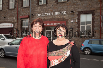 Rosemary McDonnell is pictured with Ann Burns. R1903001
