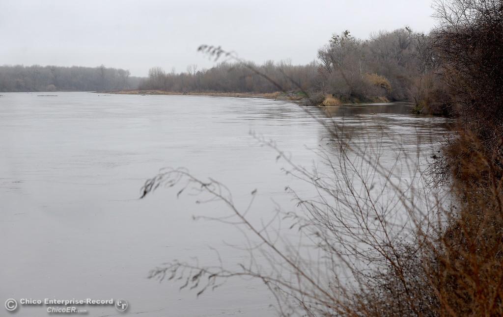 . The Sacramento River flows pretty high along River Road in Chico, Calif. Wed. Jan. 10, 2018.  (Bill Husa -- Enterprise-Record)
