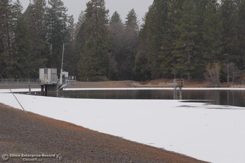 . DeSabla Reservoir is partially frozen Thurs. Feb. 22, 2018.  (Bill Husa -- Enterprise-Record)