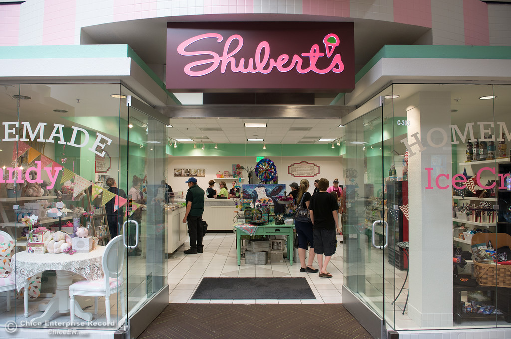 . Shubert\'s opens its second location in the Chico Mall, May 11, 2018,  in Chico, California. (Carin Dorghalli -- Enterprise-Record)