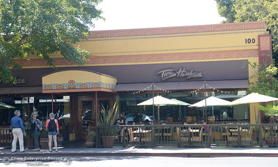 People dine outdoors at Tres Hombres in Chico, Calif. Wednesday Sept. 7, 2016.  (Bill Husa -- Enterprise-Record)