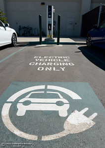 An electric vehicle charging station is seen at the Butte College Skyway Center in Chico, Calif. Thursday Sept. 15, 2016. (Bill Husa -- Enterprise-Record)