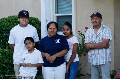 Meeting with the Hernandez family who will be the next family to be working with Habitat for Humanity to become homeowners Monday September 19, 2016 Chico, Calif. (Emily Bertolino -- Enterprise-Record)