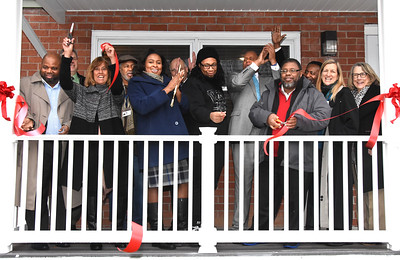 Mayor attends RHA ribboncutting in Marketview Heights. 1/17/2017