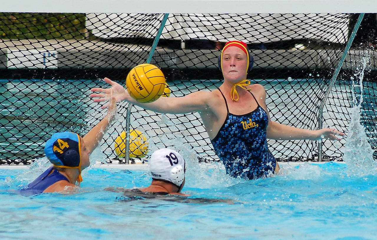 "February was another good month for polo, with photos being posted from the NCAA Women's <a href=""/share/swKyJfYR7gzI2"">UCI Tourney</a>, <a href=""/share/opW0Y9XdQk7e6"">CIF SS Girls Finals</a>, Cal Cup 14U Boys, and CCA 16U Boys.  Note: Not including the thumbnail photos in each gallery, MyWaterPoloPics.com photos were viewed 194,993 times in February."